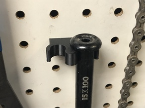 12mm and 15mm bicycle thru axle holder for pegboard