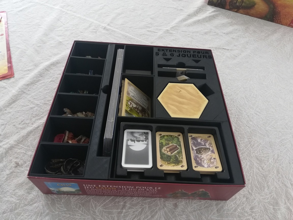 """Catan - Insert corebox and """"5/6 players extention"""" in the same box"""