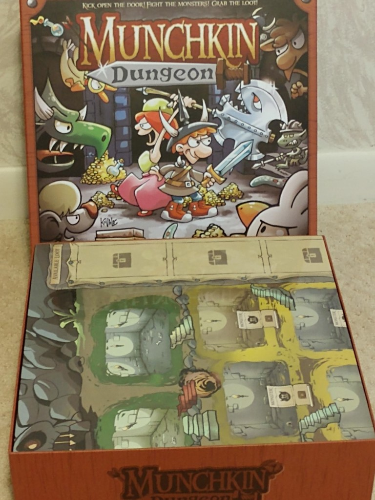 Munchkin Dungeon board game insert and organizer