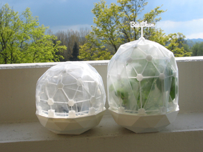 Flexible Mini Greenhouse-Dome with Pot (clickable)