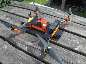 DadDrone_3:  Quadcopter 450-size foldable, camera-suited