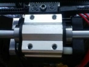 Linear bearing clip