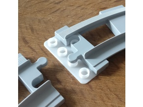 Duplo 4x2 base plate (train track connector)