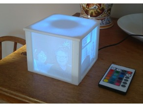 Light box for Lithophanes, easy print, designed for USB RGB LED strip