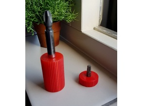 Bit holders: a magnetic & a small one