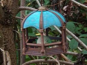 Orn8 Birdfeeder
