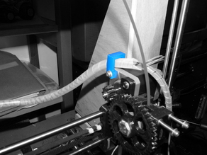 Cable holder extruder Wade