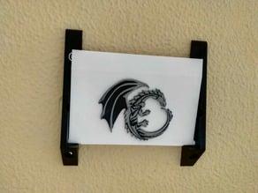 Flip-down shelf with dragon
