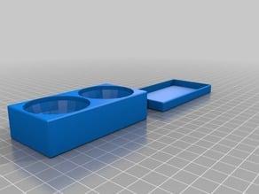 2 round boxes