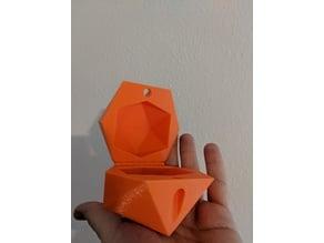 D20 box w/ hinge