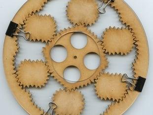 2-4 non-circular planetary gears