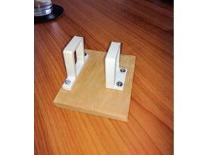 Locking cable organizer