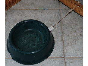 Movement radius restriction for the dog bowl