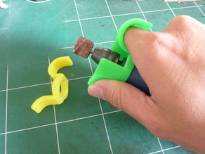Precision handle for mini-drill / Dremel like  with finger protection - Poignée de précision pour mini-perceuse / Dremel avec protection des doigts.