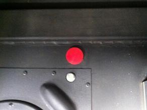 Customizable captured plug