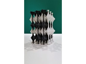 Multi-Color Interlocking Geometric Print