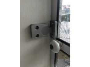Snap-lock (for garden door)