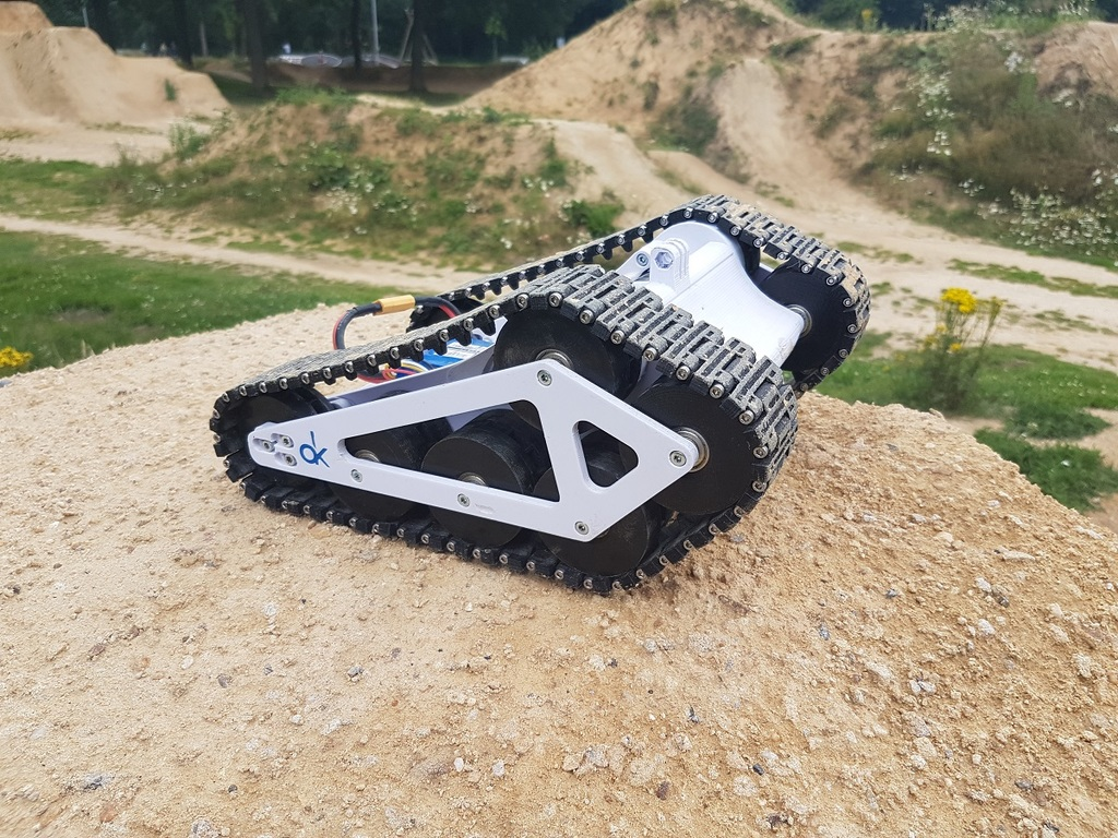 RC Tank by Staind - Thingiverse