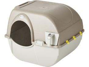 Plastic clip for omega paw litter box