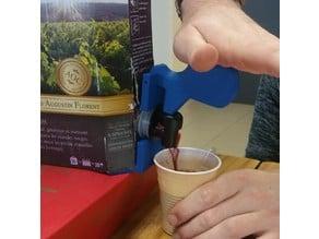 OT student project : gripper adapter for box wine faucet / adaptateur de préhension pour robinet de cubi