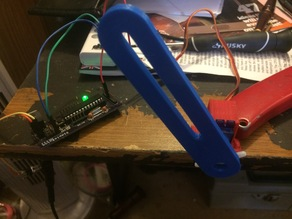 Arduino filastruder filiment guide with servo mount