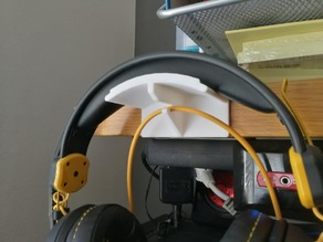 Headphone holder