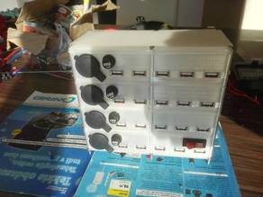 Stackable/expandable USB (and 12V) charging station case