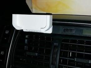 Samsung Galaxy S5 holder on Hyundai Tucson 2009