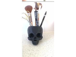 Skull makeup stand