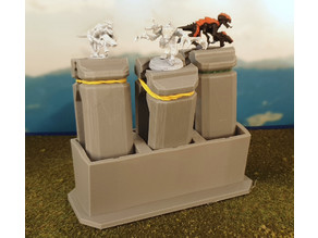 Batch painting miniature holder and stand