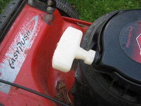Lawnmower pull cord handle