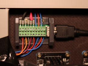 Hypercube Evolution Hotend Mount Remix (from vergienc) for HDMI Cable