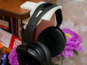 Headphones holder