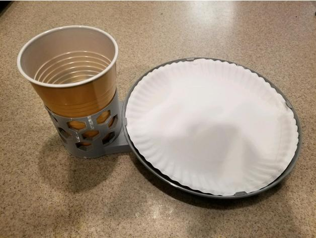 Paper plate and plastic cup holder by KarnageKing - Thingiverse