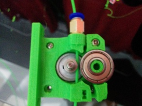 compact bowden extruder using jhead normal push-fit