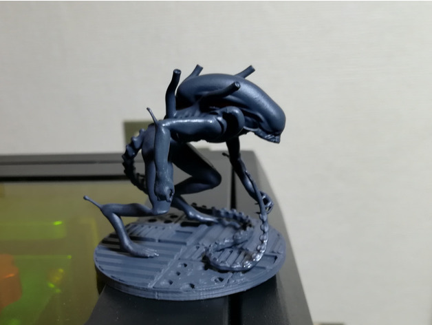 Alien - Xenomorph Warrior Drone by Flyfisher