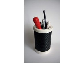 Tin can lid/protection organizer - Pencil case