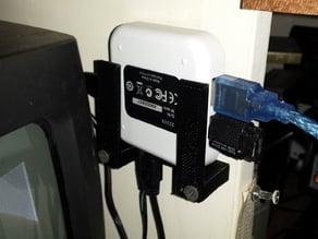 USB Hub Hanger
