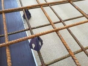 Concrete rebar distancer / spacer