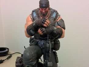 Gears of Wars MARCUS FENIX STATUE remix
