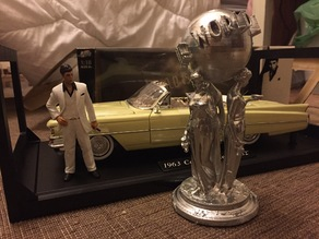 Scarface the World Is Yours Statue Rivisited