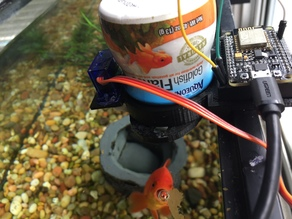 Wireless Fish Feeder - Feed Fish Flakes