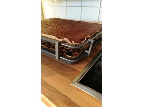 Baking tray stacker
