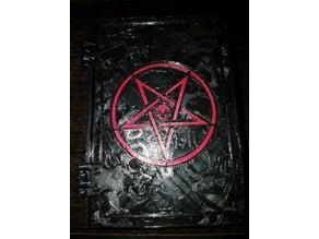 Pentagram w/Skull & Relinquo cover Deck Box Remix