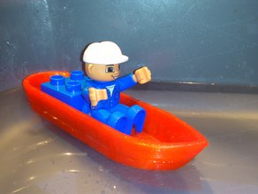 Small Duplo-compatible boat