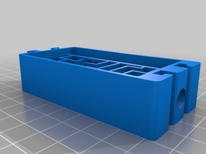 Maze formicarium with water reservoir