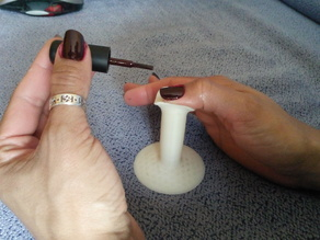 Support for painting nails