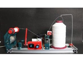 Thread coil winding machine