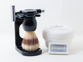 Safety razor and shaving brush stand Mühle R106