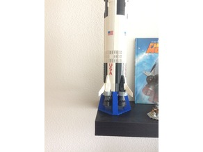 vertical stand for Lego Saturn V/ support vertical pour Saturn V de Lego
